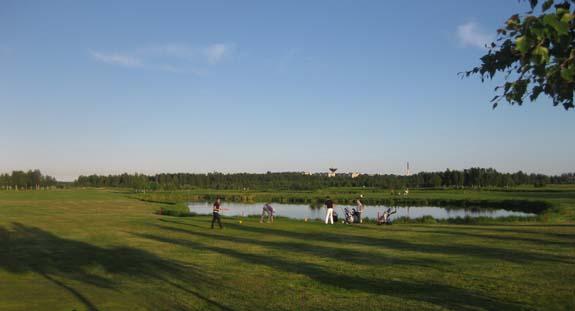 Midnight golf in Tornio-Haparanda