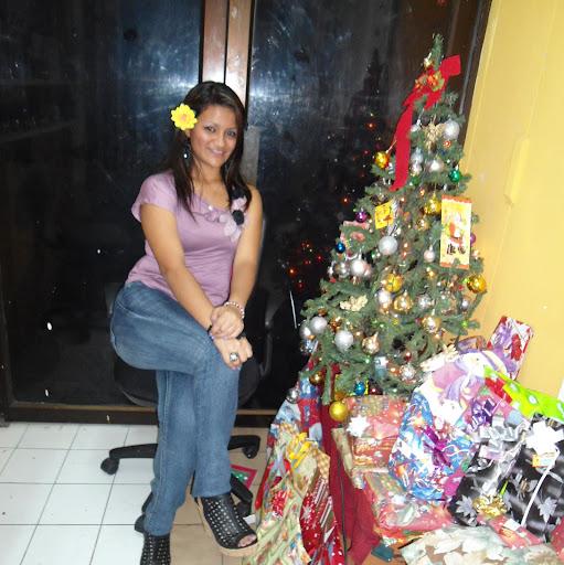 Abigail Moreira Photo 8
