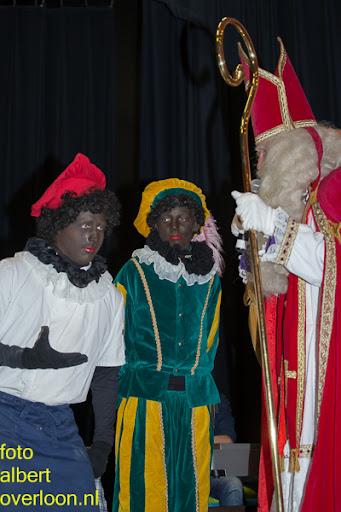 Intocht Sinterklaas overloon 16-11-2014 (79).jpg