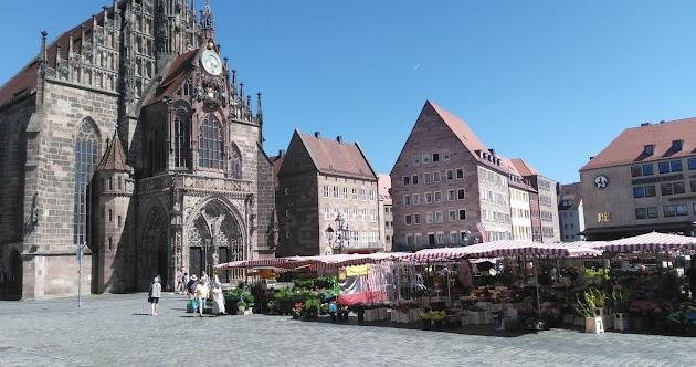 "Nürnberg<br><a class=""photo_author gallery_photo_author"" href=""https://maps.google.com/maps/contrib/108469526973092062076/photos"" target=""_blank"">Foto: Pol Rozon</a>"