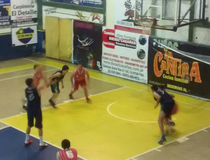 El basquet de Alem, ya ascendido, cerró la temporada con partidos apasionantes y ahora piensa en los playoffs