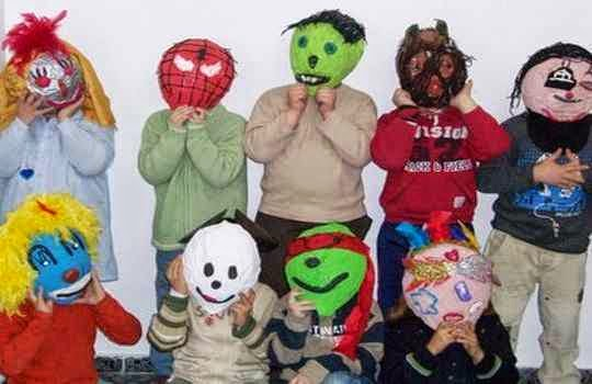 taller de mascara para niños como idea para fiestas de cumpleaños
