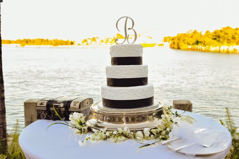 Pretty Bahamas Wedding Cakes | Bahamas Wedding Planning