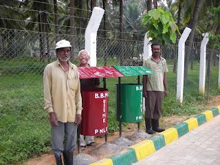 06-Sep-2011 Pic: Usha Rajagopalan Segregation bins. PNLIT gardeners with OPR.
