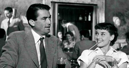 roman holiday vacaciones en roma gregory peck audrey hepburn princess ann escapada paseo roma terraza cafe