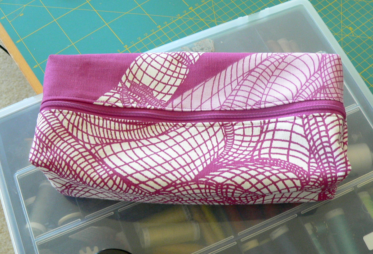 Couture la maison sewing at home trousse rectangle de for Couture a la maison