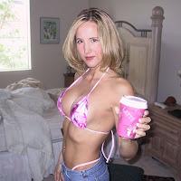 giant boobs lesbian