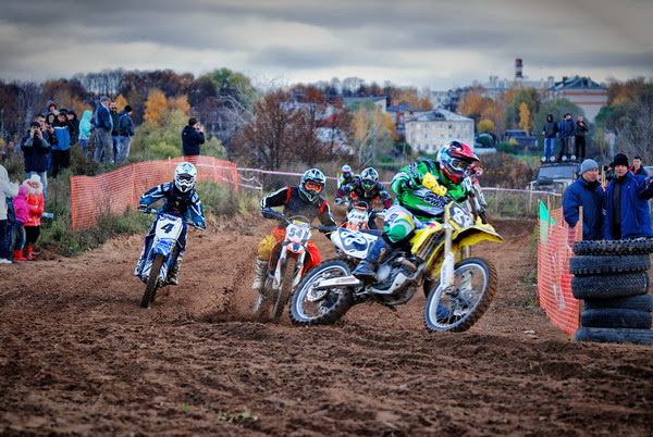 открытый чемпионат города Углича по мотокроссу. фото Павел Карпов