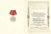 146d Verdienstmedaille der Nationalen Volksarmee in Silber - Punze (6) www.ddrmedailles.nl
