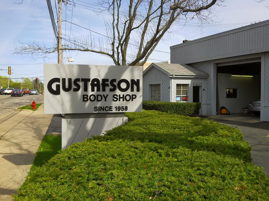Auto Repair Mundelein IL | Gustafson Body Shop at 23 W Maple Ave, Mundelein, IL