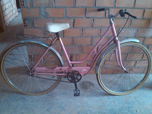 bicicleta rosa BH de