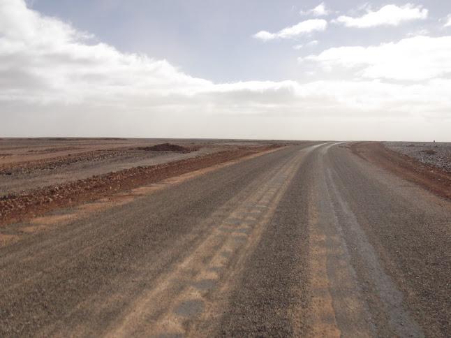 Marrocos e Mauritãnia a Queimar Pneu e Gasolina - Página 9 DSCF1071
