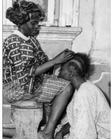 Onidiri ( hair stylist, weaver or hair dresser)