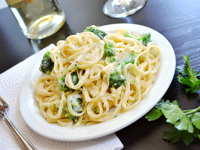 recipe for chicken alfredo pasta with broccoli