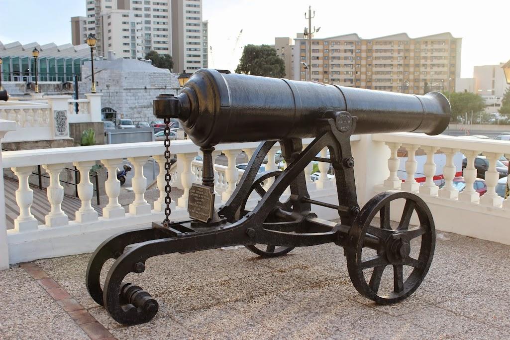 gibraltar - Carregar a bateria da moto até... Gibraltar IMG_4574