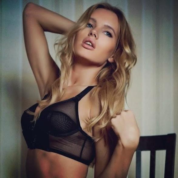 Olya Abramovich desnuda 3