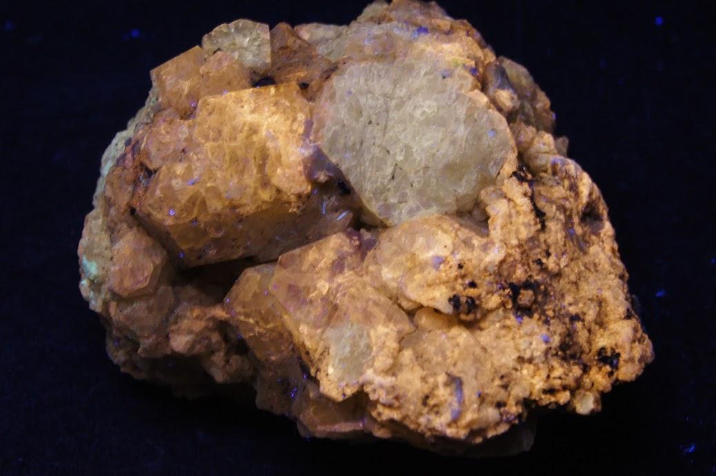 Colección de Minerales Fluorescentes - Página 3 _DSC4725