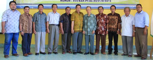 Foto bersama acara Syukuran dan Sosialisasi Hasil Akreditasi