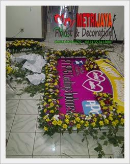 proses pembuatan bunga papan di Toko Bunga Kebumen Florist