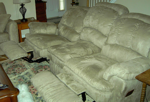 Double Recliner Couch (001)