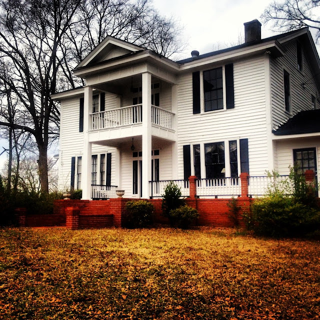 Event Venues Jonesboro GA | The Warren House at 102 W Mimosa Dr, Jonesboro, GA