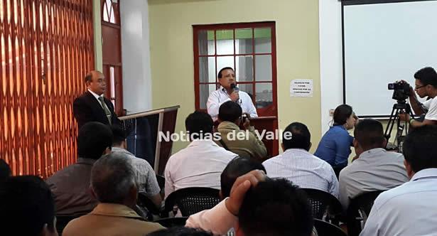 Reaparece gobernador suspendido por la CC