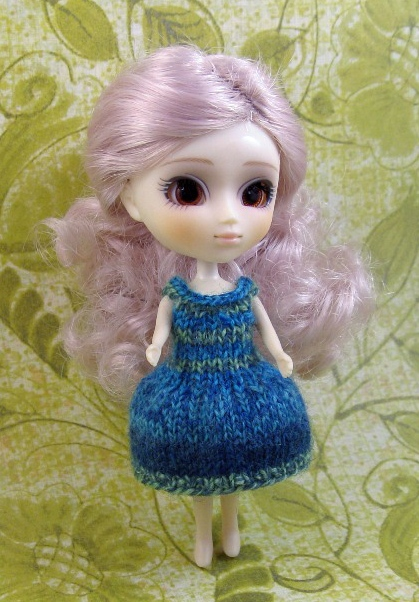 Free Knitting Patterns For Large Dolls : Lemon Dolls: Knit dresses for LPS Blythe