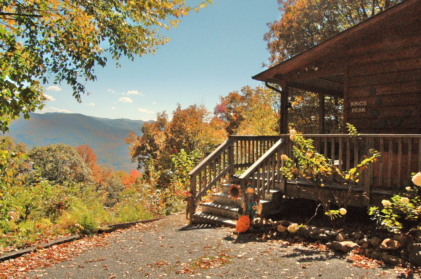 living rustic owner wears cabin a home and tennessee valley bedroom in seat smoky sofa gatlinburg tn cabins be sleeper sits so above private cozy rentals leather tv mountain vacation fireplace it holiday love with can the room