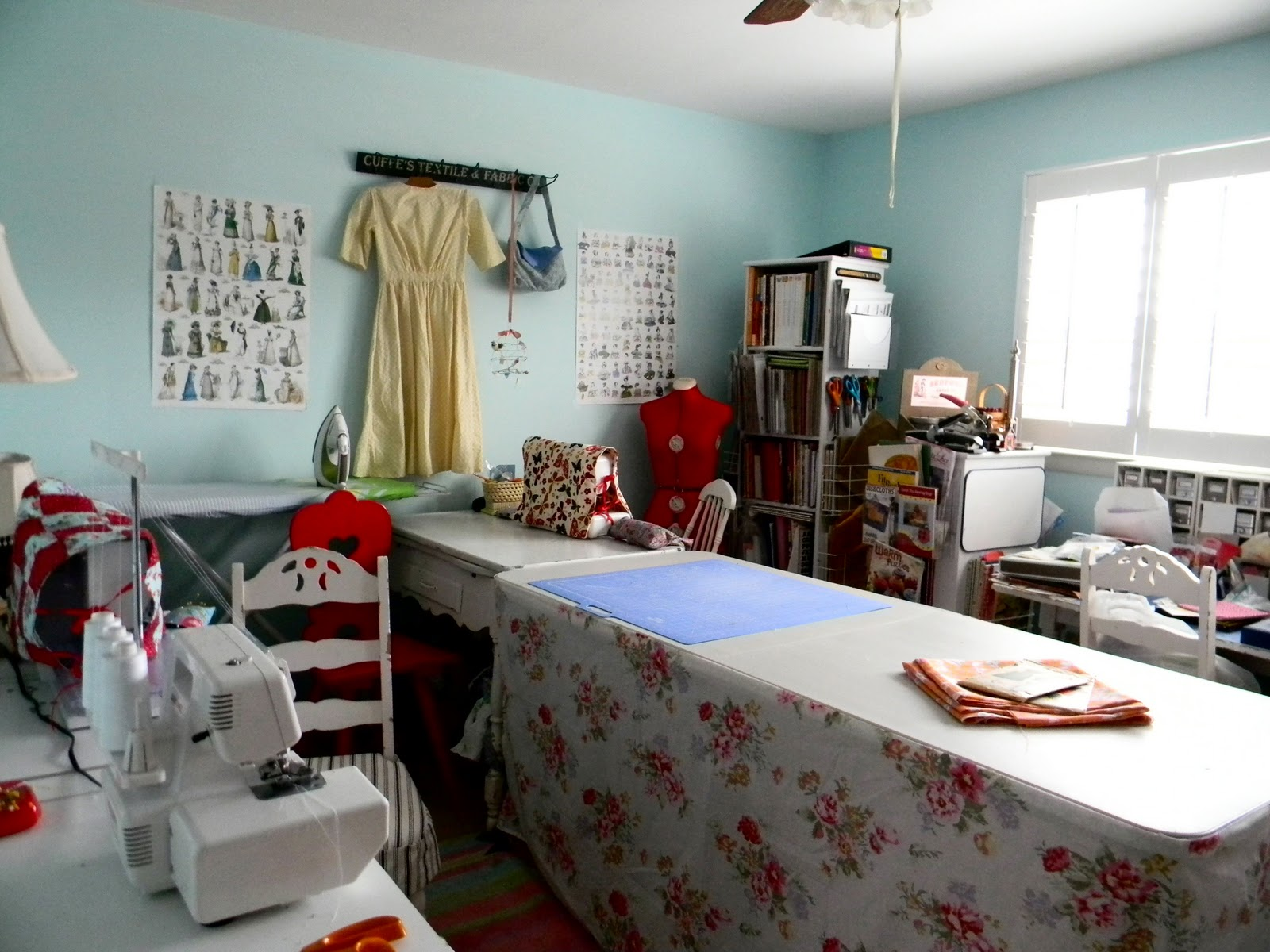 Best Sewing Room Design Ideas Part - 49: Best Sewing Craft Room Design Ideas Contemporary . Nice ...