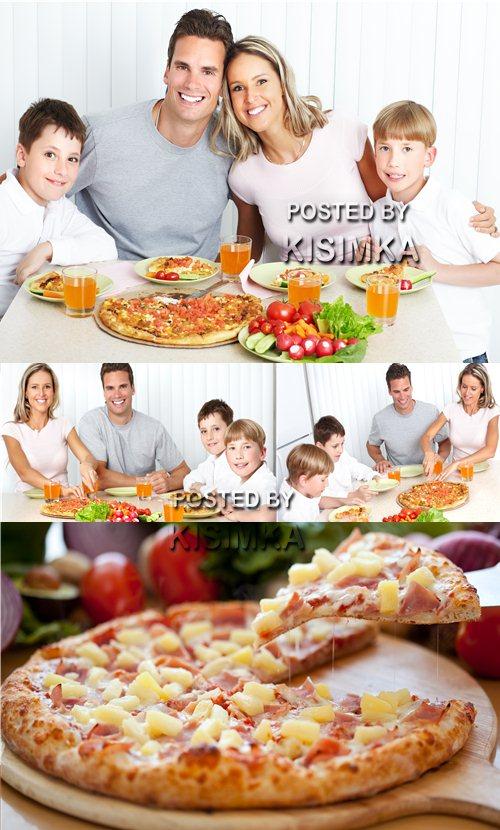 Stock Photo: Family pizza