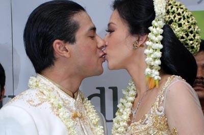 Faby marcelia wedding