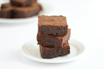 close-up photo of a stack of brownies