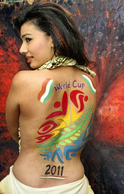 Cricket Fashion, ICC world cup, world cup hair style, cricket girl fashion, Actress Mink Bares her Back, Assorted Fans style, hair style, sexy girl fashion