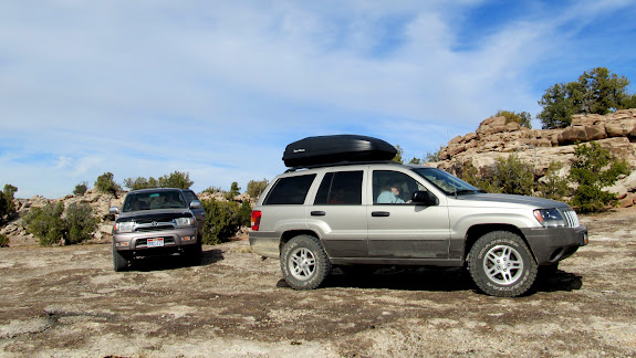 4Runner and Grand Cherokee off-road