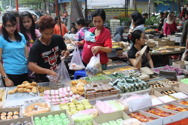 Pasar Kue Subuh Blok M