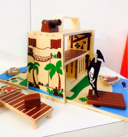 wooden travel toy Boxset pirates