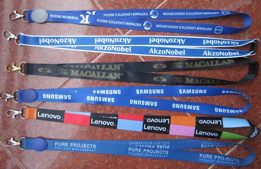 Cơ sở in dây đeo thẻ cho sinh viên, dây đeo cho nhân viên, vòng đeo tay nhựa dẻo Day%2Bdeo%2Bthe