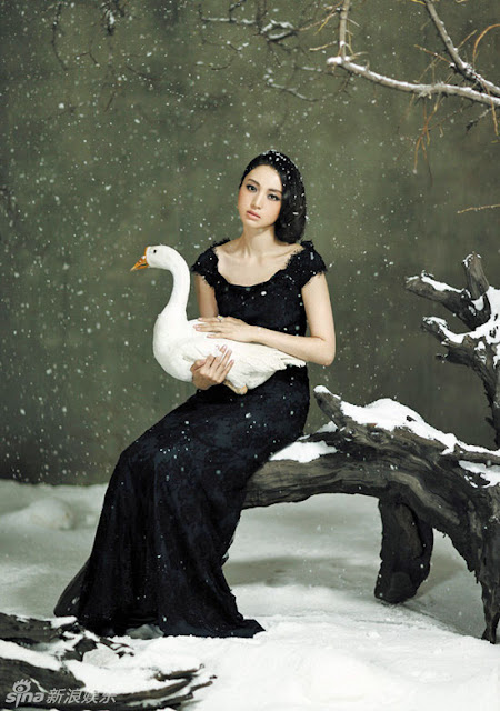 Dong Xuan and a goose