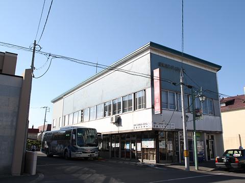 沿岸バス本社ターミナルと「萌えっ子はぼろ号」