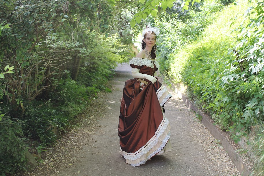 robe à tournure, céline tascher
