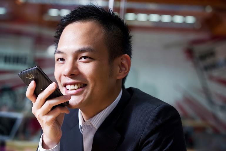 經常在外洽公的Jamie,透過WeChat傳達精確的指令給同事;在緊急時刻也替他解決許多疑難雜症。
