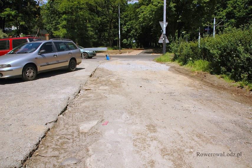 Miejsce pod przyszły chodnik i DDR już gotowe.