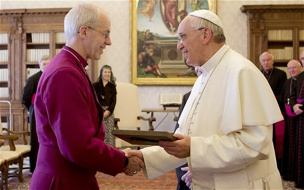 Papa Francisco con el Arzobispo (Anglicano) de Canterbury, Justin Welby, 14 de junio de 2013  AFP PHOTO POOL ALESSANDRA TARANTINOALESSANDRA TARANTINO/AFP/Getty Image