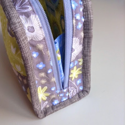 Tutorial for adding a zipper tab to each end of a zip for a Little Zippy Pouch