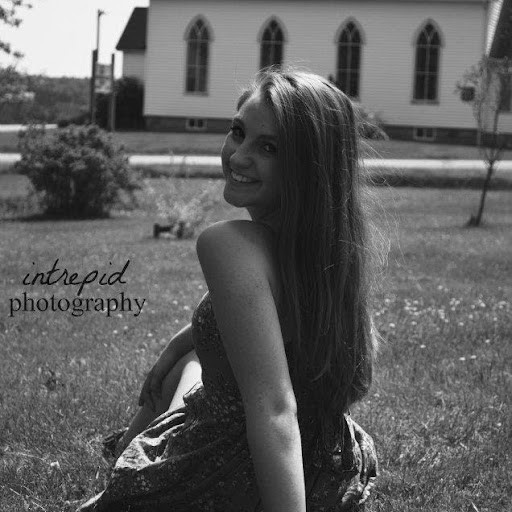 Danielle Lapointe Photo 23