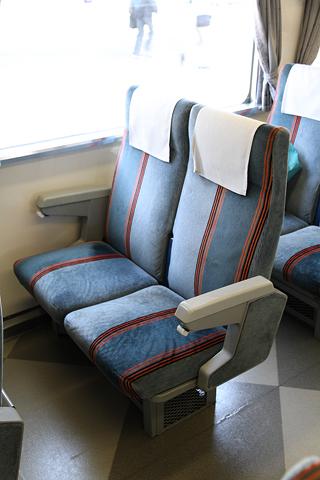 JR北海道 「リバイバルまりも」 4号車 14系座席車 シート
