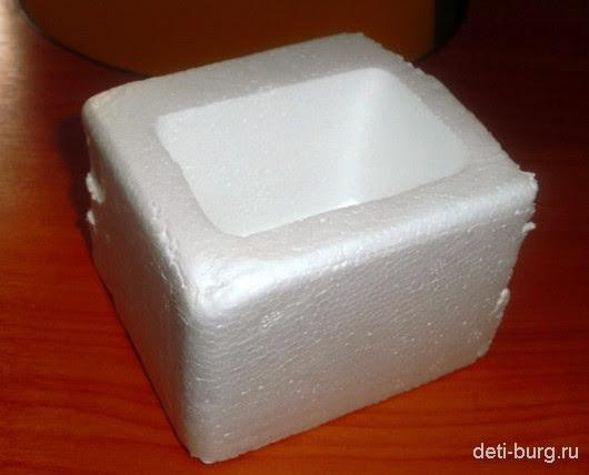 вырезаем коробочку из пенопласта