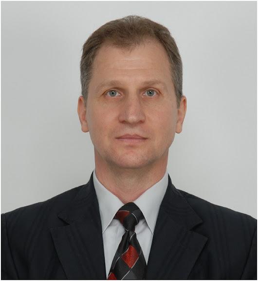 Мороз Володимир Володимирович - професор кафедри обчислювальної математики