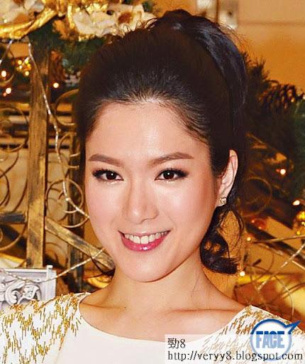 苟芸慧  4萬 5 <br><br>苟姑娘係 09年華姐冠軍,加入 TVB後拍過《當旺爸爸》、《怒火街頭 2》等,樣靚身材好,商場騷叫價 4萬 5至 5萬。