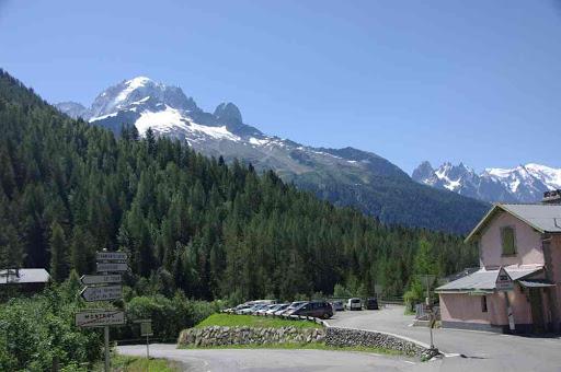 L'aig. Verte et le mont Blanc depuis la gare de Montroc